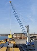 Konecranes - mobile harbour cranes to handle fruit in Italy